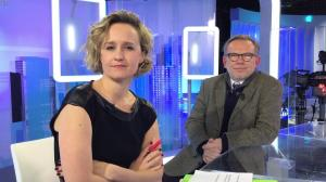 Caroline Roux dans un Bonus de C dans l'Air - 03/01/17 - 01