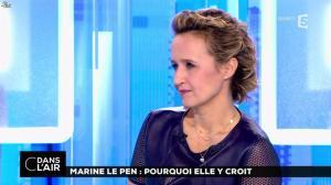 Caroline Roux dans C dans l'Air - 21/02/17 - 12