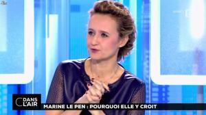 Caroline Roux dans C dans l'Air - 21/02/17 - 20