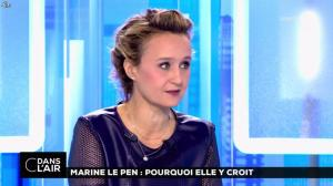 Caroline Roux dans C dans l'Air - 21/02/17 - 21