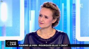 Caroline Roux dans C dans l'Air - 21/02/17 - 31