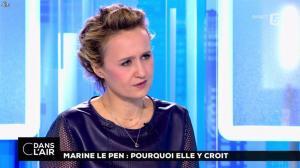 Caroline Roux dans C dans l'Air - 21/02/17 - 46
