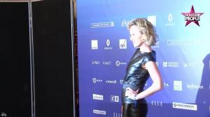 Caroline Roux dans Non Stop People - 01/12/16 - 01