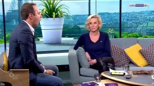 Laurence Ferrari dans Salon VIP - 04/03/17 - 14