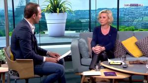 Laurence Ferrari dans Salon VIP - 04/03/17 - 28