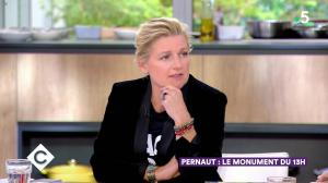 Anne-Elisabeth Lemoine dans C à Vous - 04/10/19 - 03