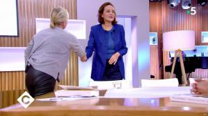 Anne-Elisabeth Lemoine dans C à Vous - 08/11/19 - 01