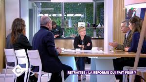 Anne-Elisabeth Lemoine dans C à Vous - 26/11/19 - 03