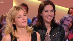 Laure Guibert et Isabelle Bouysse dans le Grand Journal De Canal Plus - 03/03/11 - 2
