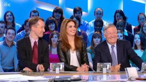 Sonia Mabrouk dans le Grand Journal De Canal Plus - 14/01/11 - 4