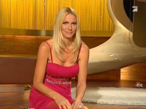 Sonya Kraus dans Talk Talk Talk - 18/12/10 - 14