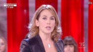 Barbara d'Urso dans Pomeriggio Cinque - 05/12/11 - 02