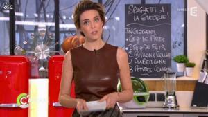 Julie Andrieu dans C à Vous - 14/03/12 - 03