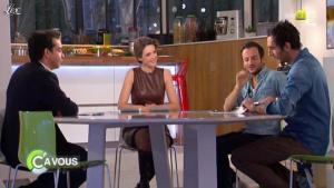 Julie Andrieu dans C à Vous - 14/03/12 - 06