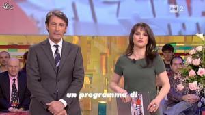 Lorena Bianchetti dans Italia Sul Due - 17/02/12 - 01
