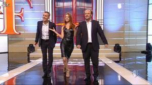 Miriam Leone dans Ale E Franz Show - 13/11/11 - 02