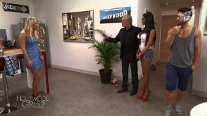 Nabilla Benattia et Caroline Receveur dans Hollywood Girls - 01/10/12 - 03
