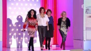 Camille Japy et Florence Thomassin dans Vivement Dimanche - 27/01/13 - 01