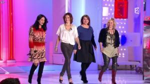 Camille Japy et Florence Thomassin dans Vivement Dimanche - 27/01/13 - 02