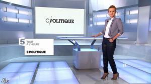 Caroline Roux dans une Bande-Annonce de C Politique - 08/12/13 - 02
