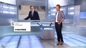 Caroline Roux dans une Bande-Annonce de C Politique - 08/12/13 - 04