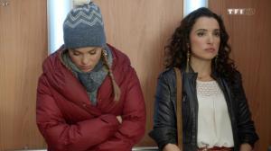 Isabelle Vitari et Joy Esther dans Nos Chers Voisins - 11/12/13 - 01