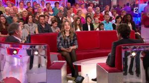 Izia dans Vivement Dimanche - 10/03/13 - 05