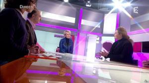 Sophie Davant dans C est au Programme - 25/02/13 - 03