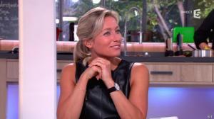 Anne-Sophie Lapix dans C à Vous - 16/09/14 - 40