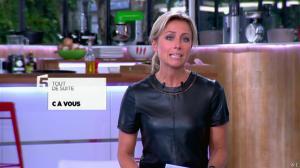 Anne-Sophie Lapix dans C à Vous - 21/05/14 - 014