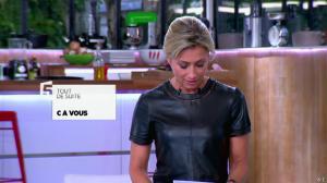 Anne-Sophie Lapix dans C à Vous - 21/05/14 - 018