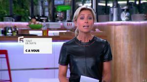 Anne-Sophie Lapix dans C à Vous - 21/05/14 - 019