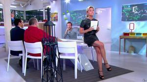 Anne-Sophie Lapix dans C à Vous - 21/05/14 - 045