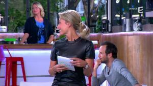 Anne-Sophie Lapix dans C à Vous - 21/05/14 - 053