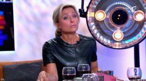 Anne-Sophie Lapix dans C à Vous - 21/05/14 - 380