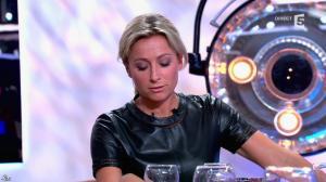 Anne-Sophie Lapix dans C à Vous - 21/05/14 - 398