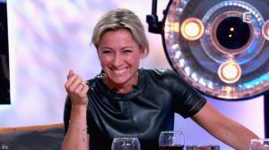 Anne-Sophie Lapix dans C à Vous - 21/05/14 - 400
