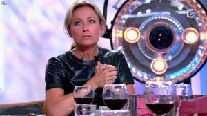 Anne-Sophie Lapix dans C à Vous - 21/05/14 - 414