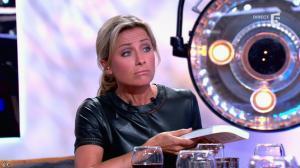 Anne-Sophie Lapix dans C à Vous - 21/05/14 - 490