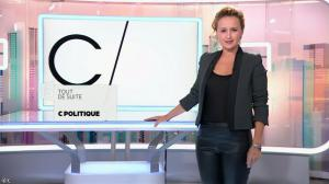 Caroline Roux dans C Politique - 19/10/14 - 006