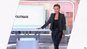 Caroline Roux dans C Politique - 19/10/14 - 012