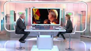 Caroline Roux dans C Politique - 19/10/14 - 014