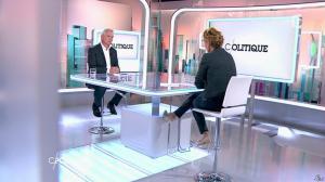 Caroline Roux dans C Politique - 19/10/14 - 015