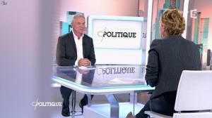 Caroline Roux dans C Politique - 19/10/14 - 017