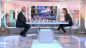 Caroline Roux dans C Politique - 19/10/14 - 019