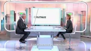 Caroline Roux dans C Politique - 19/10/14 - 021