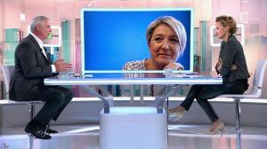 Caroline Roux dans C Politique - 19/10/14 - 025