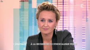 Caroline Roux dans C Politique - 19/10/14 - 028