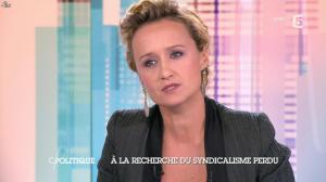 Caroline Roux dans C Politique - 19/10/14 - 030