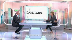 Caroline Roux dans C Politique - 19/10/14 - 032